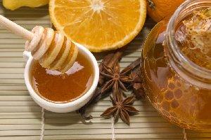 Secrete de frumusete cu miere