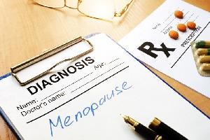 Alimente ce pot intarzia menopauza