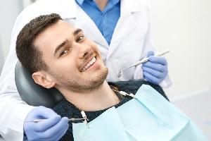 Sase moduri naturale de albire a dintilor